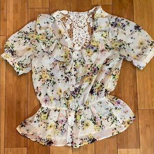 No Boundaries floral button up blouse